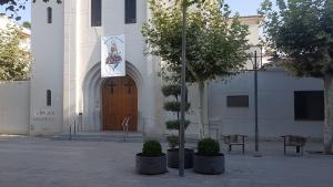 Apareixen pintades a l'Església de Sant Pere de Cambrils