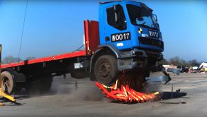 Aquestes barreres poden evitar els atropellaments dels camions o vehicles de grans dimensions