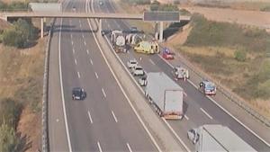 Dos ferits en bolcar una autocaravana a l'AP-7 a Constantí
