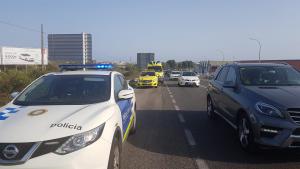 Dues persones han resultat ferides a causa de l'accident.