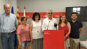 El grup municipal del PSC de Reus durant la roda de premsa