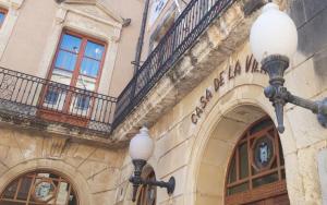 Façana de l'Ajuntament del Vendrell.