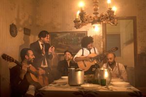 Imatge promocional del grup de rumba catalana Los Sobrinos