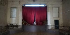 L'antiga sala de Can Marçal de Llorenç acull l'exposició.