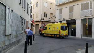 Troben el cos sense vida d'una persona en un pis al centre de Reus