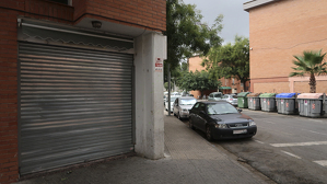 Actualment hi ha més de 30 locals buits al barri Mas Pellicer