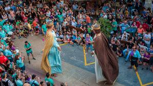 Cercavila de la Festa Major de Vimbodí i Poblet.