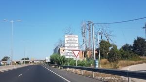El cartell informant del tram d'acidents a la T-11 a Tarragona.
