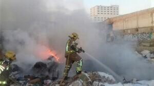 Un incendi en un solar a Reus fa activar tres dotacions dels Bombers