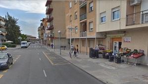 Els lladres van entrar a la fruiteria i carnisseria halal del carrer de Requet de Fèlix.
