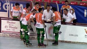 Ferran López donant instruccions als seus jugadors a Les Comes