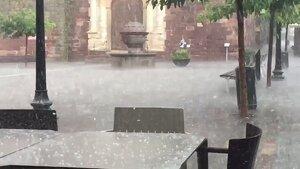 Imatge de la calamarsada d'aquesta tarda a Prades