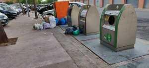 Imatge d'una illa de contenidors del barri de Sant Pere i Sant Pau, el passat mes de juliol.