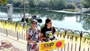 La diputa de la CUP, Natàlia Sànchez, i la regidora de la Crida Flixanca, Carme Rosich.