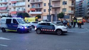 La Guàrdia Urbana, els Mossos i el SEM al lloc dels fets