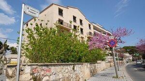 L'antiga residència Jaume I, entre els carrers Ponent, Jaume Nualart i València, es convertirà en un nou hotel de 31 habitacions.