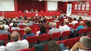 L'aula magna de la URV durant la sessió sobre lideratge i emprenedoria
