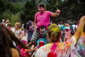 Les imatges de la Festa Major d'Alforja, cagada del ruc i holi Colors!