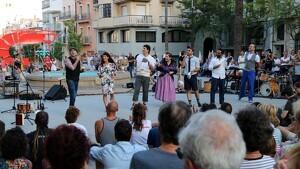L'espectacle inaugural d'Eufònic, 'A vore', a la plaça del Cóc de Sant Carles de la Ràpita