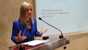 Noemí Llauradó, vicealcaldessa de Reus, durant la roda de premsa de presentació