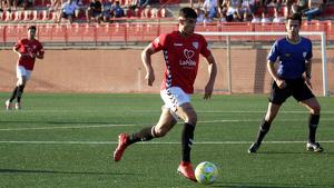 Un gol d'Óscar Sanz dona el quart triomf seguit als pobletans