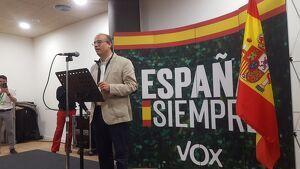 El cap de llista de VOX per Tarragona, Alejandro de Anta, durant el míting de la formació ultradretana a Tarragona.