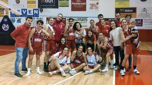 El Lleida, celebrant el triomf a la pista del Valls