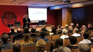 El president del Port de Tarragona, Josep Maria Cruset, durant la xerrada a la Cambra de Comerç de Reus