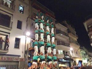 Els Castellers de Vilafranca van descarregar l'inèdit 10de8 a Sitges