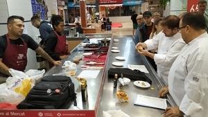 Els dos cuiners analitzen i valoren les tapes dels establiments participants