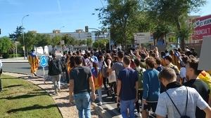 els estudiants continuen la marxa per Reus