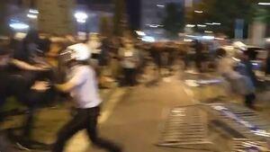 Els Mossos han carregat contra els manifestants a Reus