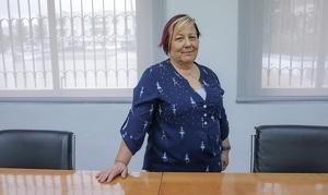 L'alcaldessa de Cunit, Dolors Carreras, a la sala de plens.