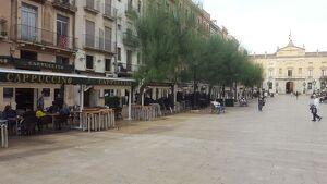 No tots els locals de restauració de la plaça de la Font s'han sumat a la vaga general a Tarragona.