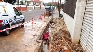Alguns dels treballs de reparació de la xarxa d'aigua que s'han fet a Llorenç del Penedès.