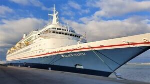 El creuer 'Black Watch', amb 500 passatgers, atracat al Port de Tarragona, el darrer vaixell de la temporada de creuers