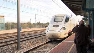 Imatge d'arxiu d'un Euromed a l'estació de l'Aldea