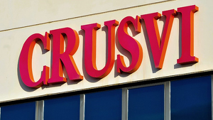 L'empresa Granja Crusvi SA se situa a la partida Planes del Roquís número 110