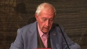 L'escriptor, Josep Vallverdú.