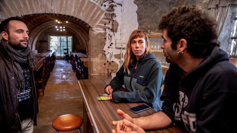 Imatge de Lucía Bárcena i Javi Reyes, ermitans de l'ermita de Puigcerver