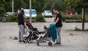 Els nens i nenes de Tarragona surten al carrer en confinament