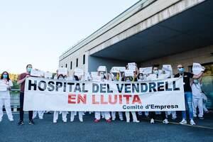 L'Hospital del Vendrell en lluita: 'aplaudiments reivindicatius' per la seguretat i els drets laborals