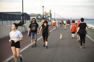 Passejos plens en el primer dia d'esport permès a Tarragona