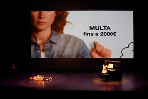 El FITT 2020 ja està en marxa. Imatges de 'Versiones parciales y erróneas de mi vida y gloria', de Glòria Ribera. Galeria de Fabián Acidres.