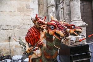 La Fira de Santa Teresa del Vendrell exhibeix el bestiari de foc!