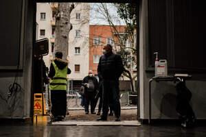 Matí de votacions amb cues a Reus per les eleccions
