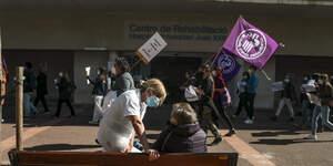 Imatges de la concentració a l'Hospital Joan XXIII de Tarragona per la Vaga sanitària