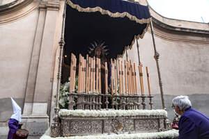 Setmana Santa 2021 |L'església de Sant Francesc mostra els passos al carrer de Reus