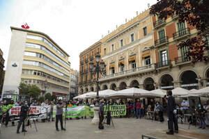 Concentració contra la massificació de parcs solars i eòlics al territori