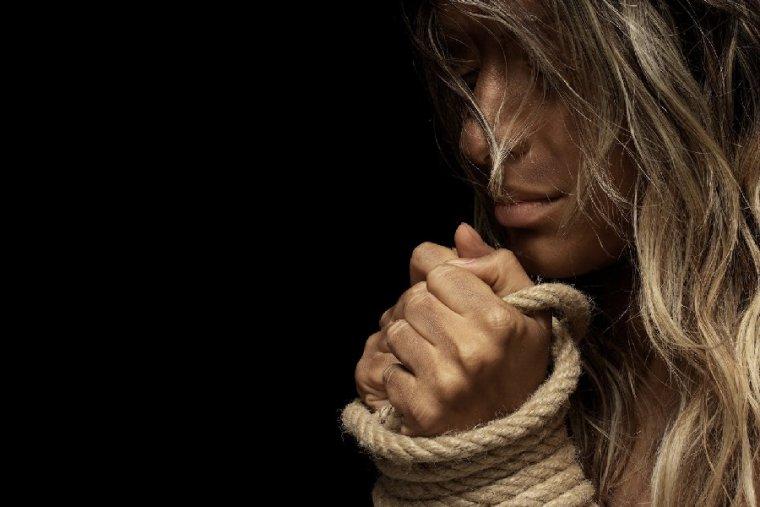 STOP: 30 frases contra la violencia de género